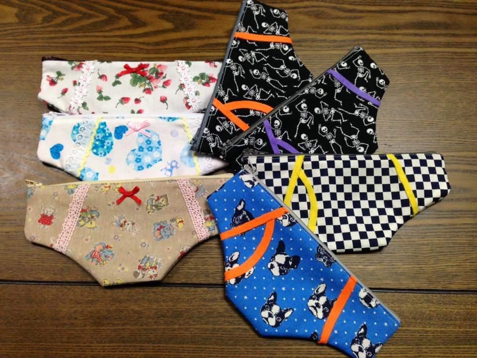 坂田さん!私は布小物作るのが好きですよ!写真はパンツ型ペンケース😄#アナ世