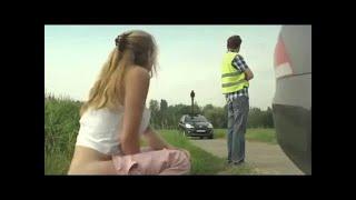 ノーブラ巨乳💕パンチラ開脚ダンス,削除注意【 エロおもしろ 】セクシー 【 笑ってはいけない世界おもしろ動画!】