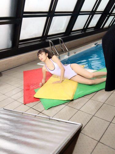 なたりーとこうちゃんはなんのプールか知らないで写真撮ってそうだけど!!笑いにゃしょこはグラビアではおなじみかなあ #例のプール 🏊💭#競泳水着が需要あると聞いて #1日1競泳 #競泳水着 #拡散RTご協力お願いします