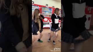 エロ動画・ギャルダンス(ミニスカ)