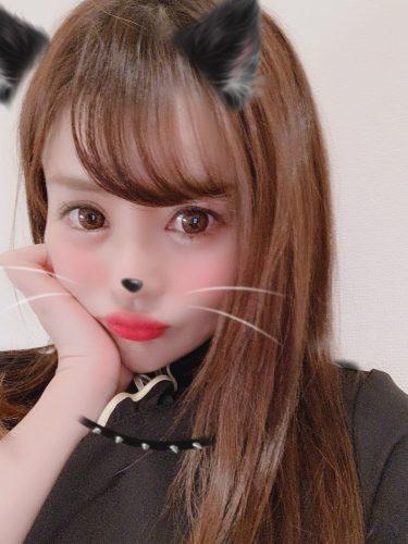性格が猫派の私は、猫がしっくりくる🐈💕マッサージがんばるにゃん🐾#グラビア#グラドル#飼ってください