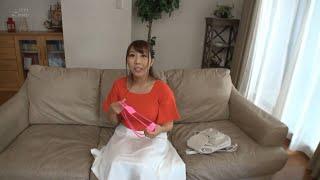 【水着 Gカップ】りんさんは服の上からでも分かるGカップのおっぱいが魅力!