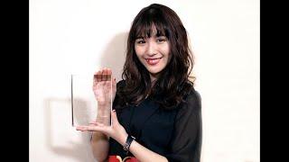 【第5回カバーガール大賞】浅川梨奈が『コミック雑誌部門』を3連覇!「血まみれの一年でした」と2018年を振り返る