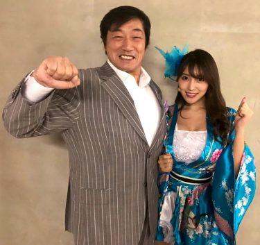一緒に大会チャリティーアンバサダーを務めたグラビアアイドル森咲智美さんとゆるキャラ達と記念撮影‼️#森咲智美