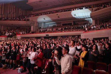 """NHKホール、無事に、無事に、無事に、終わりました!お越しいただきました皆様、ありがとうございました!!""""胸をなでおろす""""とは、まさにこのことです。#米米CLUB#おかわり#NHKホール"""
